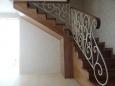 Деревянная лестница на металлическом каркасе, сосна (сорт А), бук