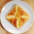 Хачапури слоёное с сыром