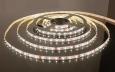 Светодиодная лента3528/60 LED 4.8W IP20 [белая подложка] теплый белый свет