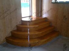 Деревянная лестница с кругленными ступенями, сосна (сорт А). Челябинск