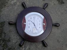 Деревянная оправа для часов «Штурвал». Челябинск