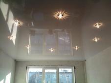 Глянцевый натяжной потолок. Челябинск